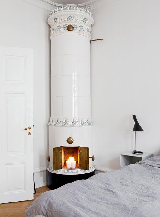 fireplace in the bedroom / bo laget