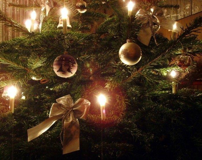 weihnachtsschmuck basteln mit naturmaterialien weihnachtskekse tannenzapfen kerzen