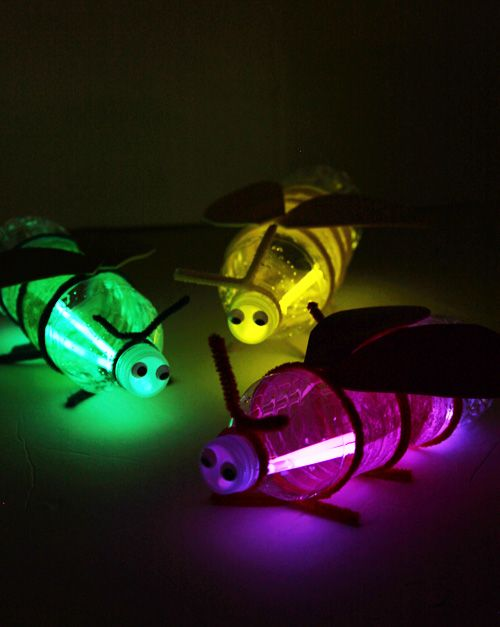 Turn plastic bottles into fireflies with glow sticks! This would be such a fun kids craft for camping!