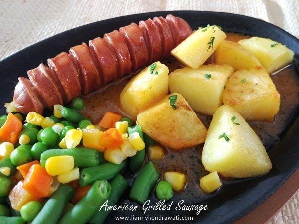 American Grilled Sausage Hot Plate Americangrilledsausagehotplate Sausage Grilledsausage Recipes Resep Masakan Resep Makanan Sosis