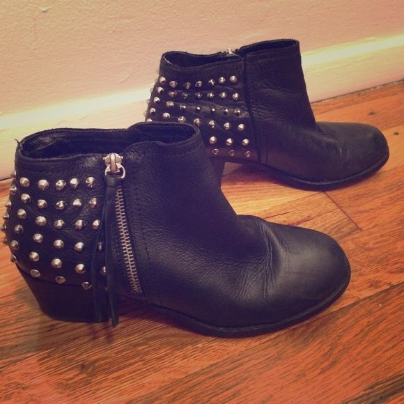 Studded Aldo Ankle Boot / 7 Studded Aldo Boots in black. Super comfy and in pretty great condition. Little wear and tear around the top. Zippers still work great though. ALDO Shoes Ankle Boots & Booties