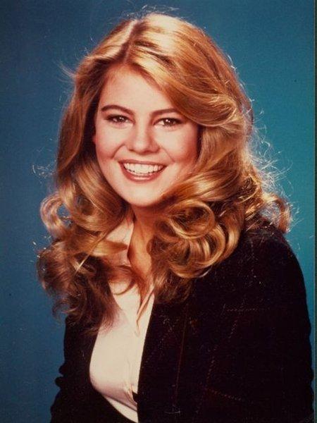 Celebrity Hair Inspiration via thepioneerwoman. Omg, I looove Lisa Whelchel's hairdo! <3