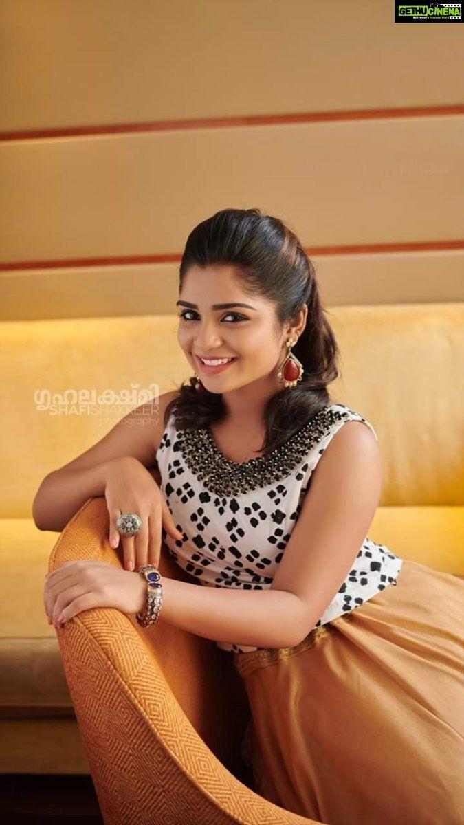 Anugraheethan Antony Actress Gouri G Kishan Unseen Cute Hd Photo Shoot Gethu Cinema Actresses Actress Photos Beautiful Actresses