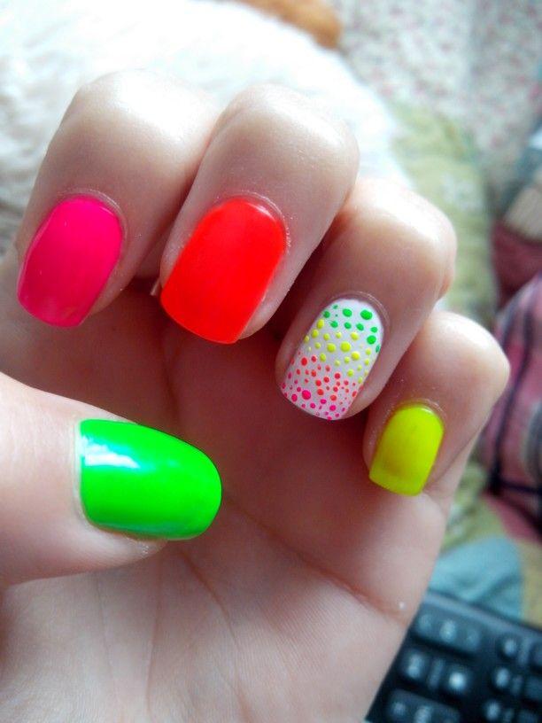 #nail #fluor para que me noten en todos lados jiji