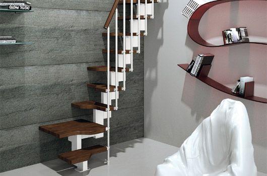 Mini Plus è la scala alla marinara progettata da Rintal nata per collegare qualsiasi ambiente razionalizzando lo spazio a disposizione.