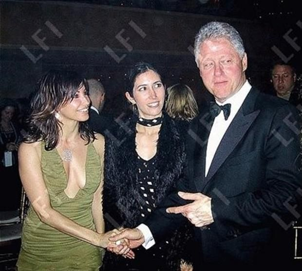 Bill Clinton is ALWAYS Having A Good Time – 35 Pics