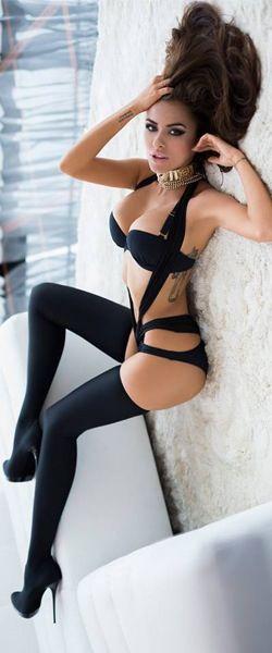 Sexy Brunette ➳❤  ⊱ℳℬ⊰ http://the.pinshopway.com/sexypins/retrograde/