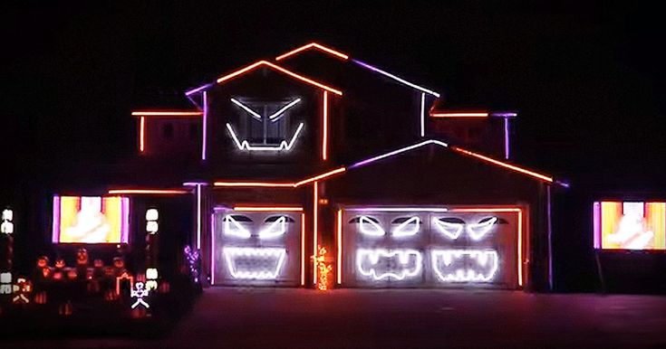 I have  never seen anything quite like this epic 'Ghostbusters' light display for Halloween. When the garage started to talk, my jaw dropped! WHOA.
