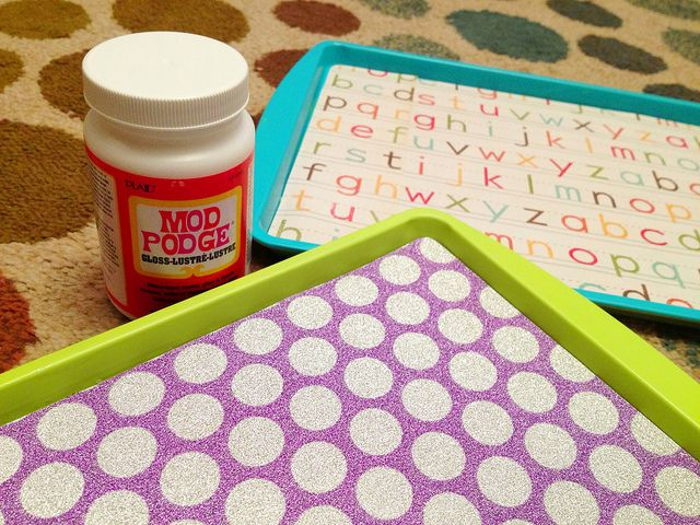 DIY Travel Trays - These are a lifesaver!!  Easy way to keep kids entertained in the car.  Only $5 to make both trays!