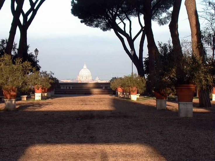 A different view of Rome, just at a walking distance from home.