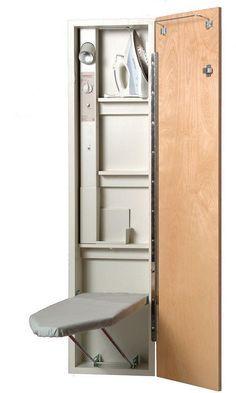 Imagine el espacio que se ahorrará con esta plegable centro de planchado. Un contador de tiempo de 60 minutos y toma de corriente eléctrica. Puede dejar su plancha enchufada todo el tiempo, incluso cuando la placa se dobla distancia y la puerta cerrada.