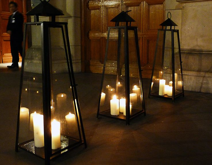 Cool candlesCandles Lights, Outdoor Ideas, House Ideas, Beautiful Candlelight, Liturgical Ideas, Parties Ideas, Dreams Room, Outdoor Spaces, London Pictures