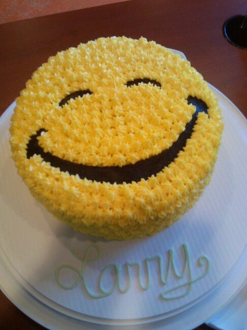 Cupcake Decorating Ideas Smiley Faces : Smiley face cake by Jennifer Tonak bday parrty ideas ...