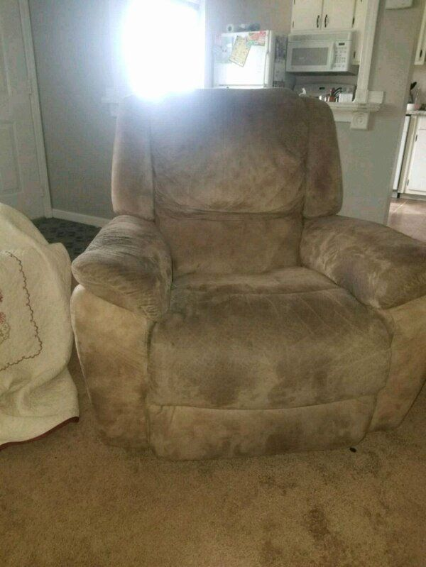 Living Room Chairs Recliners Fresh Used And New Recliner Sofa Chair In Akron Letgo Di 2020 #used #living #room #chairs