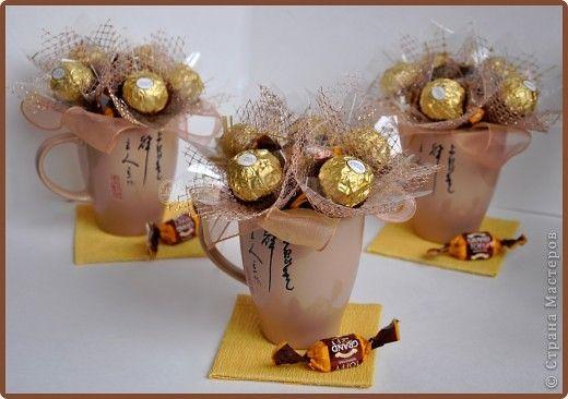 Свит-дизайн 8 марта Валентинов день День рождения День учителя Новый год Конфеты в кружке - мини презент