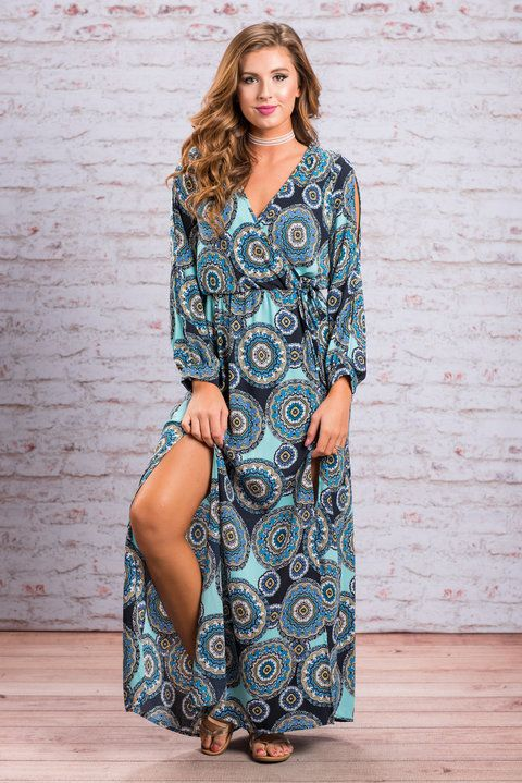 """""""Beach Beauty Maxi Dress, Navy""""This style of maxi dress has been such a hit and we definitely see why! Just look at that flowing and fit! The tied waist is really what gives it that flattering silhouette. #newarrivals #shopthemint"""