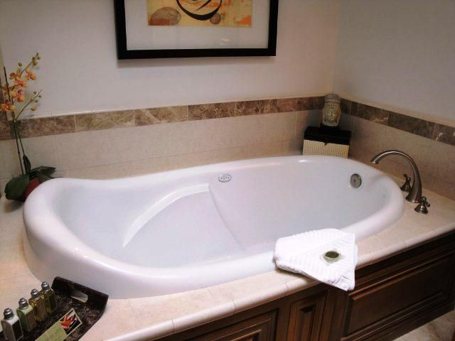 Deep Kohler Soaking Tub Alcove Ideas Soaking Tub Shower Combo Bathtub Shower Combo Tub Shower Combo