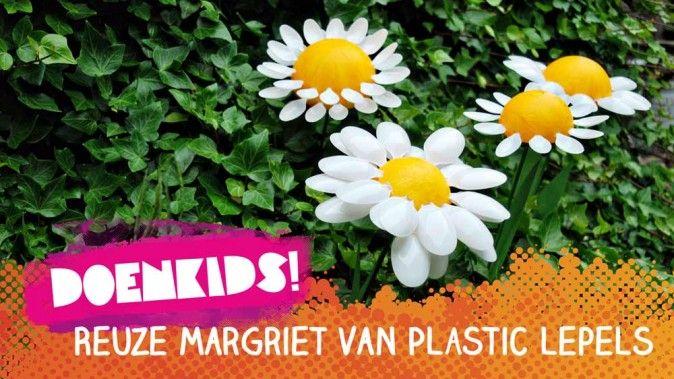 Reuze margriet van plastic lepels   Doenkids!