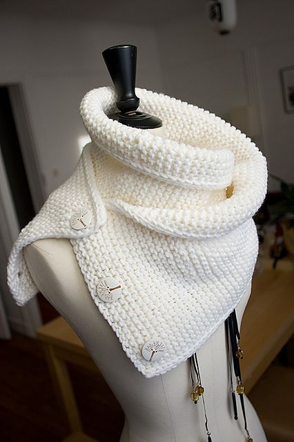 Free Knitted Cowl Patterns Pinterest : 17 Best images about cuellos y bufandas on Pinterest Free pattern, Knit cow...