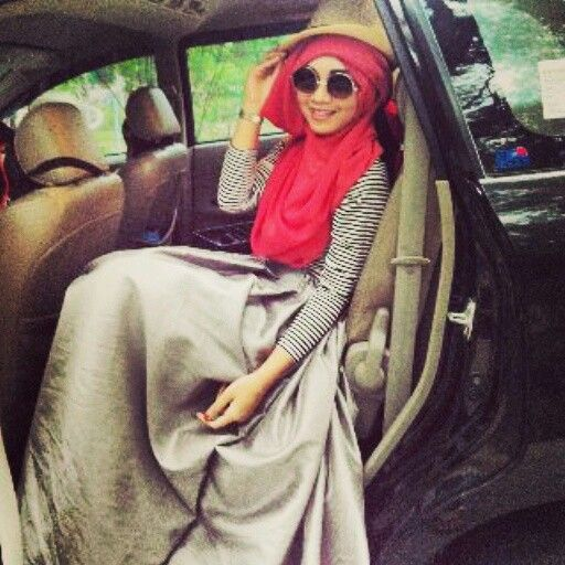 Hijab Style by Zensy Famous, MUA by One Ellsa, model Septina,photo by Edi Susanto
