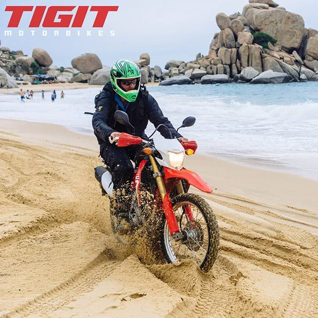 Honda Crf 250cc Sand Driving In Vietnam Amazing Fun With Offroad