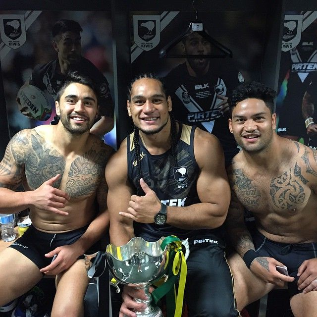 To the fallen soldiers from Australia, New Zealand and the South Pacific that fought for our country 100 years ago, this is for you all. 17 years since we last won an ANZAC Test, theres no better feeling! #ANZAC #test #kiwis #teiwikiwi #brothers #teamkapow @shaun_johnson90 @bullyluke14