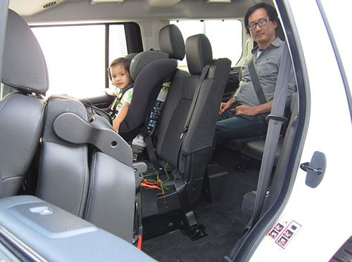 2013 Land Rover LR4 review by Carrie Kim