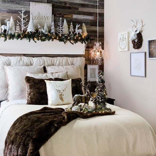 I'm IN LOVE with the mantle above the bed! Great idea!