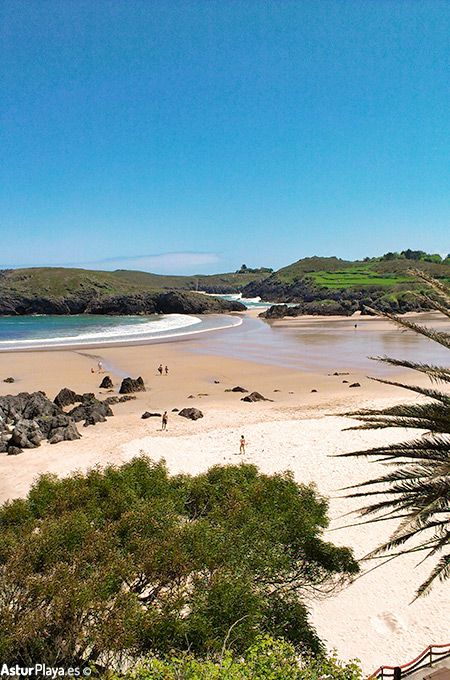 Barro beach seen from Xiglu beach in Llanes, Asturias - extensive sandy area with all the amenities you might need. Come!