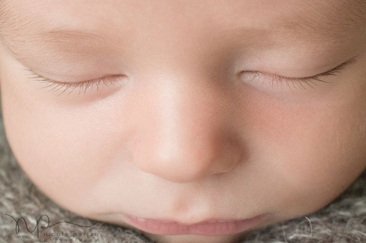 macro eyelashes {chicago newborn photographer | nicole parizo photography}