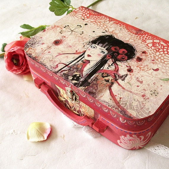 Valisette  Geisha par Minasmoke sur Etsy, $49,00