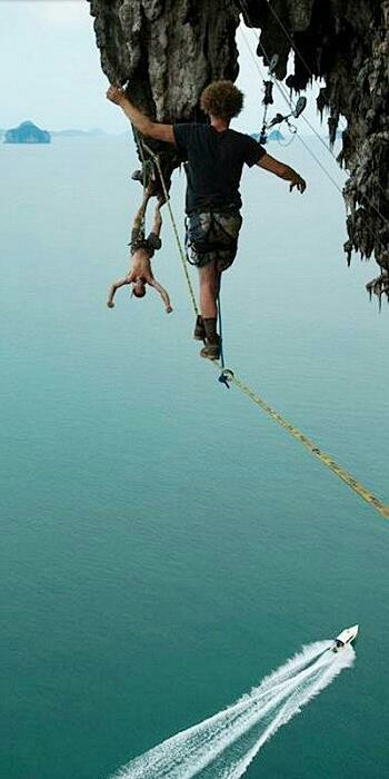 The incredible sport of Slacklining