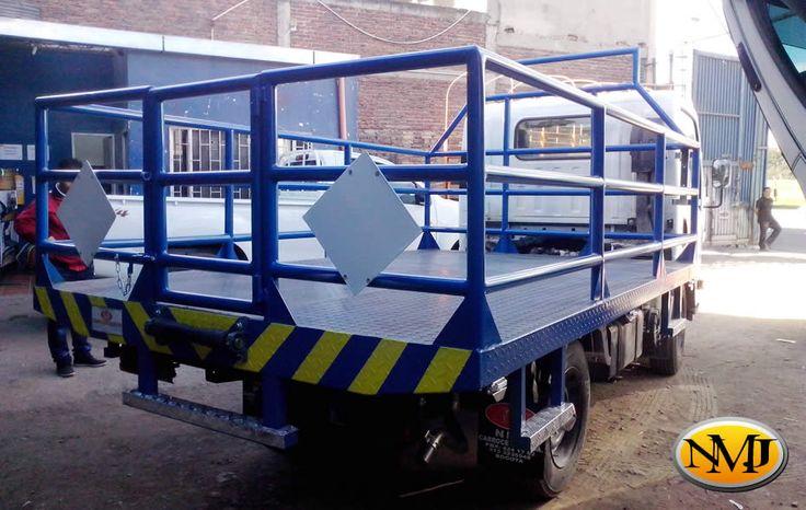 Construímos y adaptamos cada elemento al camión para satisfacer y superar todas las necesidades de nuestros clientes sin importar el diseño que ellos planteen.  http://www.carroceriasyfurgonesnmj.com/disenos-personalizados-de-tipos-de-carrocerias-especiales-para-vehiculos-comerciales-bogota-colombia