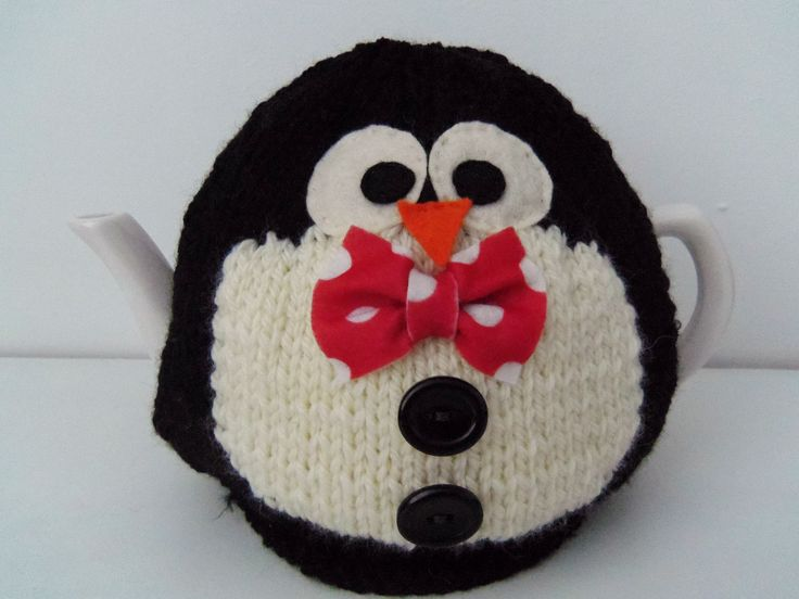 Percy- penguin tea cosy