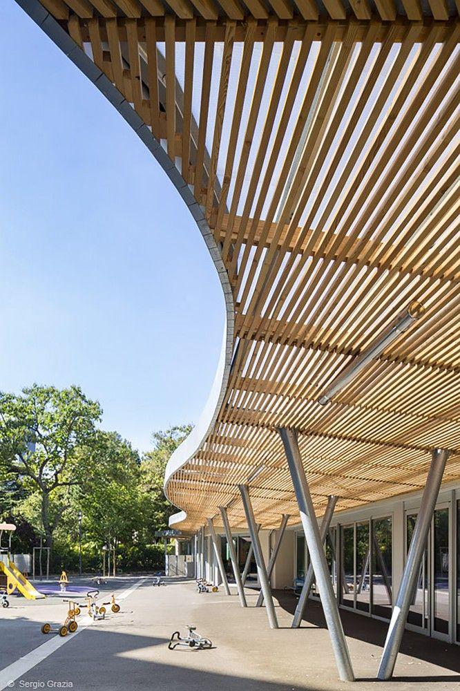 Sonia Delaunay School / ADEN architectes, wood horizontal sunshade, playground