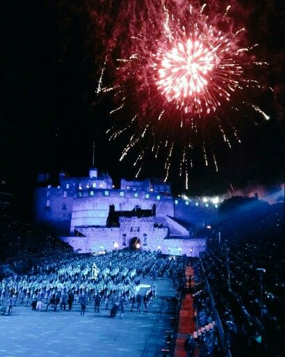 Edinburgh tattoo 2015 finale