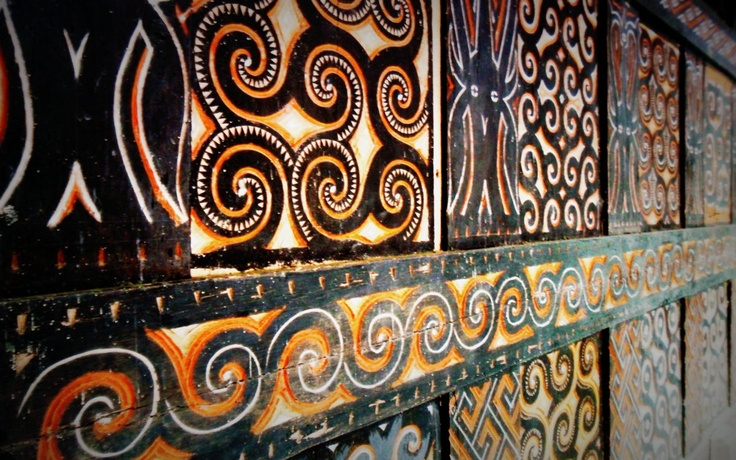 Toraja carving on tongkonan wall