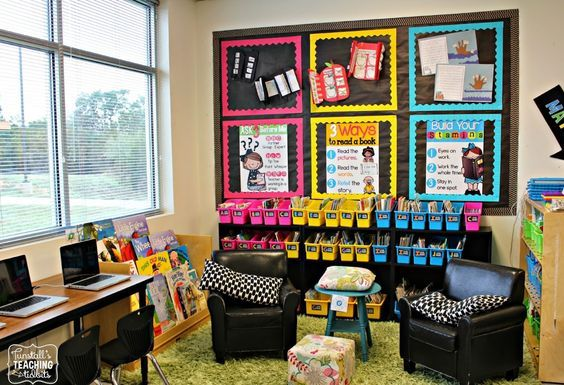 January Jumpstart {A Day at School}  This classroom black and brights classroom library inspiration