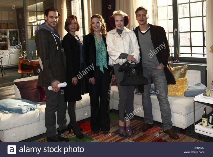 "Alexander Beyer, Diana Ampft, Tom Wlaschiha, Sunny Melles, Jule Ronstedt on the set of German movie ""Frisch Gepresst"" Sion Loft Stock Photo"