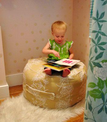 DIY bean bag: Kids Playrooms, Bags Diy, Diy Kids Beanbag, Beans Bags Chairs, Beanbag For Kids, Diy Beans, Diy Poufs, Diy Beanbag, Diy Kids Seats Cushions