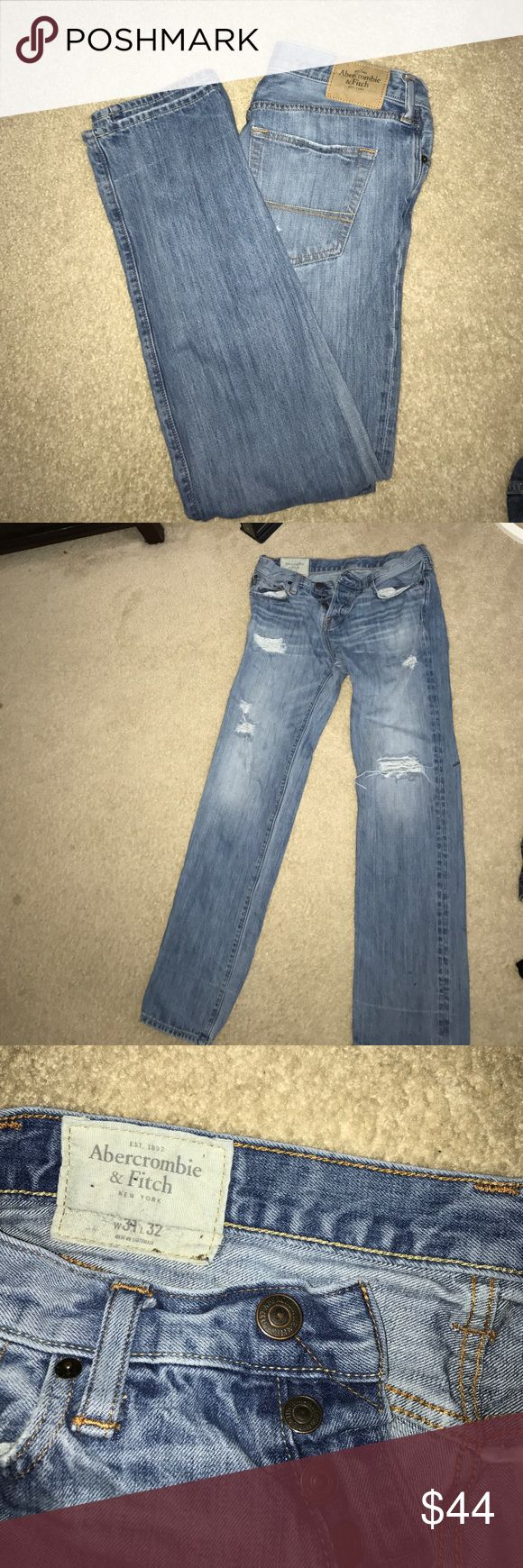 Men's Abercrombie and fitch jeans Light denim distressed look Abercrombie and Fitch slim straight jeans men's size 31x32 great looking pair barely worn Abercrombie & Fitch Jeans Slim Straight