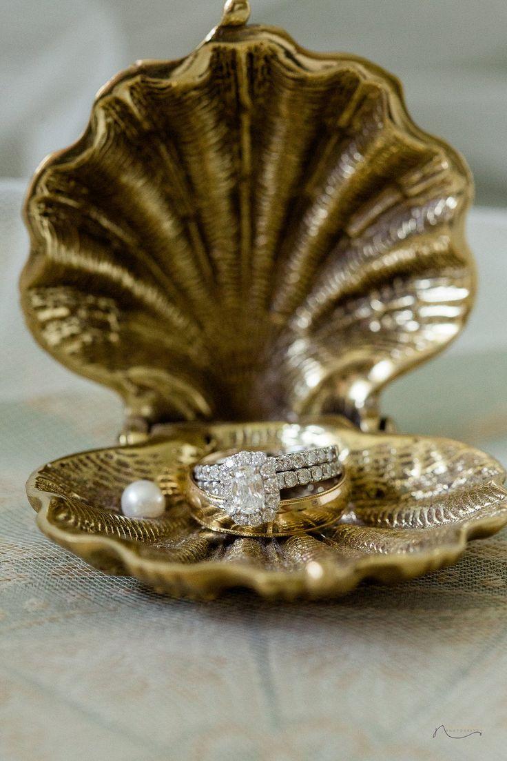 Best 25+ Engagement ring holders ideas on Pinterest ...