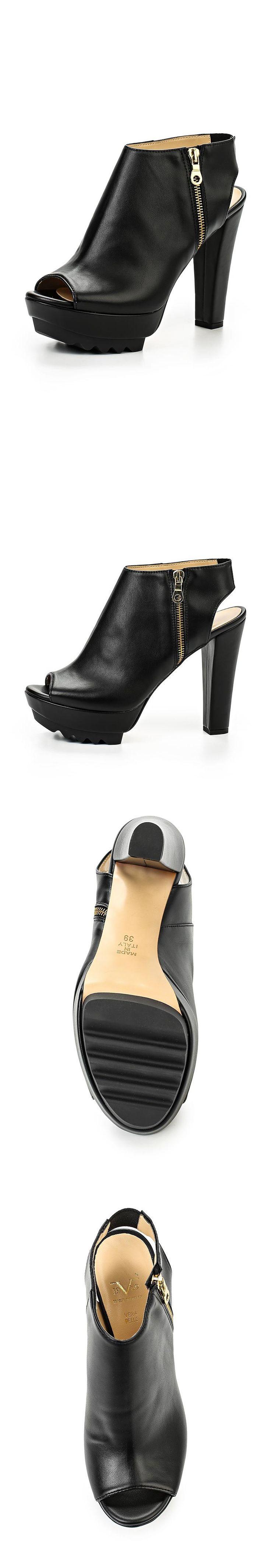 Женская обувь босоножки Versace 19.69 за 15590.00 руб.