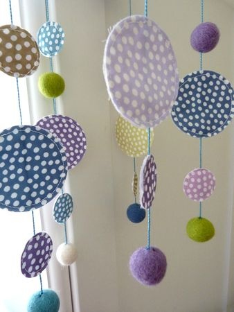 Fabric mobile - cute DIY project for a rainy day with kids