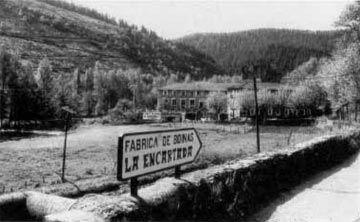 Fábrica de Boinas La Encartada - cartel antiguo que hoy en día todavía se puede ver