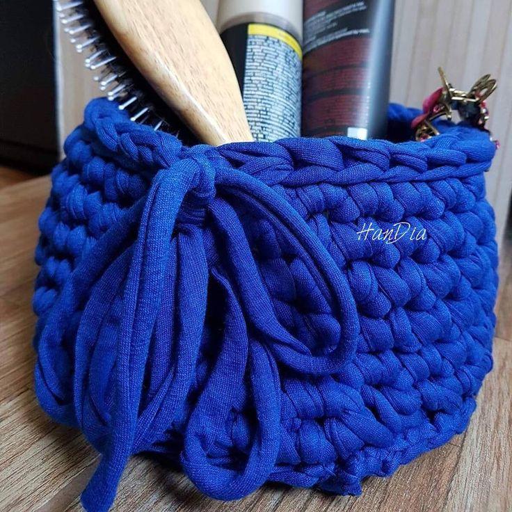 Cosulet crosetat 💠Crocheted basket #crochet #crosetate #crosetatebucuresti #crocheting #handmade #handiamade #handia #ilovecrochet #storage #cosulet #littlebasket #crocheted #darkblue @ SUN PLAZA