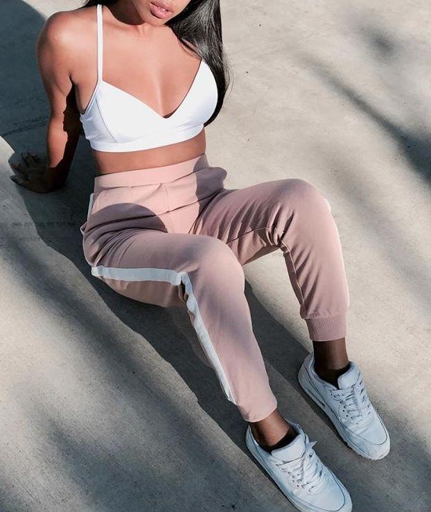 Prendas a la cintura que le dan curvas hasta al cuerpo más cuadrado