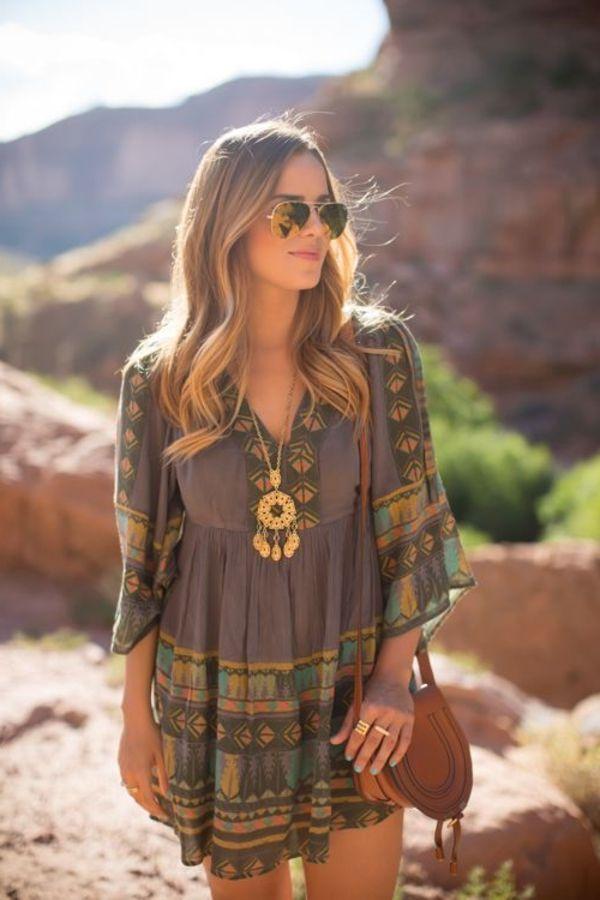 La robe hippie chic vous fait rêver de plages et d'été et vous apporte une jolie touche rétro que vous pouvez très bien adapter à votre style personnel.