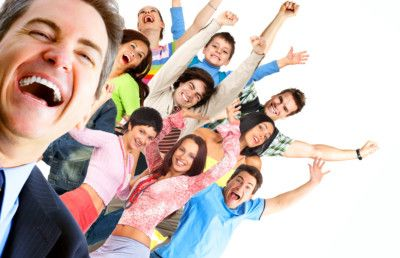 Как быть хорошим соседом по комнате в хостеле? http://arena-hostel.ru/kak-byt-horoshim-sosedom-po-komnate.html  В отличие от родителей, соседа по комнате выбрать можно. Как стать соседом мечты, чтобы двери всех комнат были открыты для тебя? Как не допустить конфликтов и недопонимания с соседями? Как наладить общий быт? На все эти вопросы и ответит эта статья. Для начала нужно определить, к какому типу относится сосед и выбирать тактику поведения в зависимости от этого.  Сосед — «чистоплюй»…