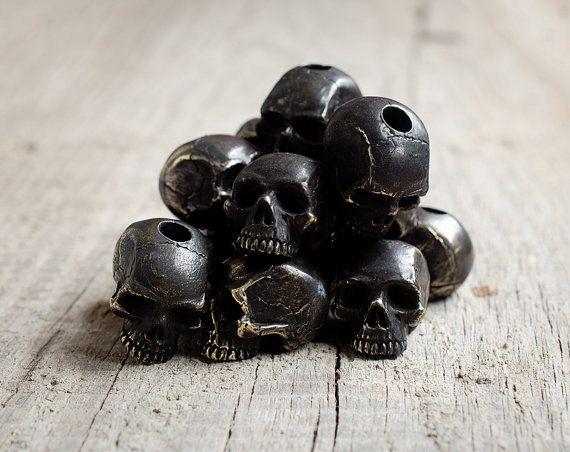 Black skull paracord beads  Black bronze charms. Big by GATURA